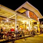 1.Talad Rot Fai - Khu cho do co o ngoai o Bangkok2